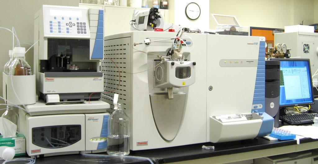 spettrometro-massa-datazione-rocce